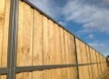 Kwikfynd Lap and Cap Timber Fencing belalieeast